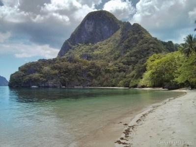 El Nido - kayaking beach 1