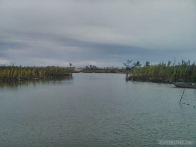 Hoi An - biking lake view 1