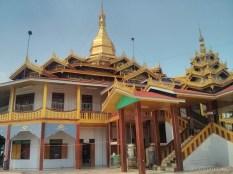 Inle Lake - Phaung Daw Oo 5