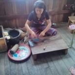 Inle Lake - boat tour lotus cloth factory 1
