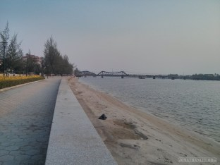 Kampot - river side 1