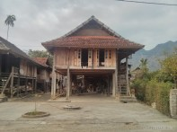 Mai Chau - house on stilts 2