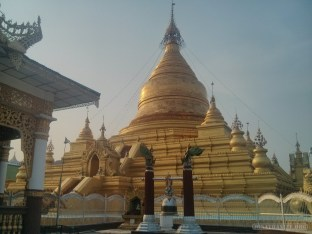 Mandalay - Kuthodaw Pagoda 6