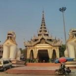 Mandalay - Mahamuni Budhha temple 1
