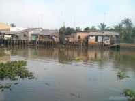 Mekong boat tour - riverside town 2