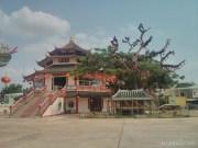 Nong Khai - river road temple 2