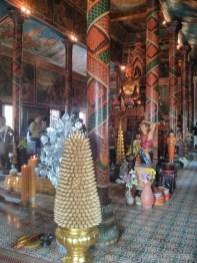 Phnom Penh - Wat Phom inside