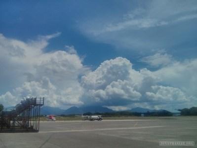 Puerto Princesa - landing at airport