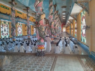 Saigon - Cao Dai temple inside 1