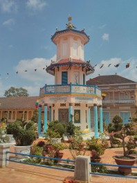 Saigon - Cao Dai temple pagoda