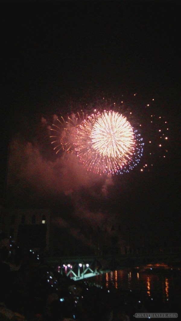 Saigon during Tet - fireworks 8