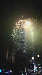 Taipei 101 New Years fireworks - fireworks 10