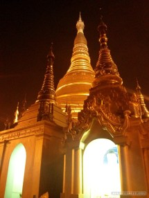 Yangon - Shwedagon pagoda at night 5