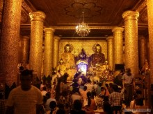 Yangon - Shwedagon pagoda at night 6