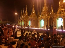 Yangon - Shwedagon pagoda at night 7