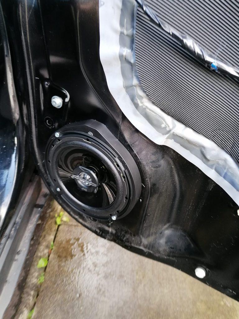 Read more about the article Replacing door speakers on Honda CRV gen3