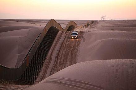 440px-Algodones_sand-dune-fence