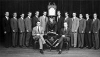 200px-skull_and_crossbones_c1947_ghw_bush_left_of_clock