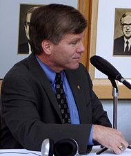 190px-Attorney_General_Bob_McDonnell_and_Coy_Barefoot_cropped