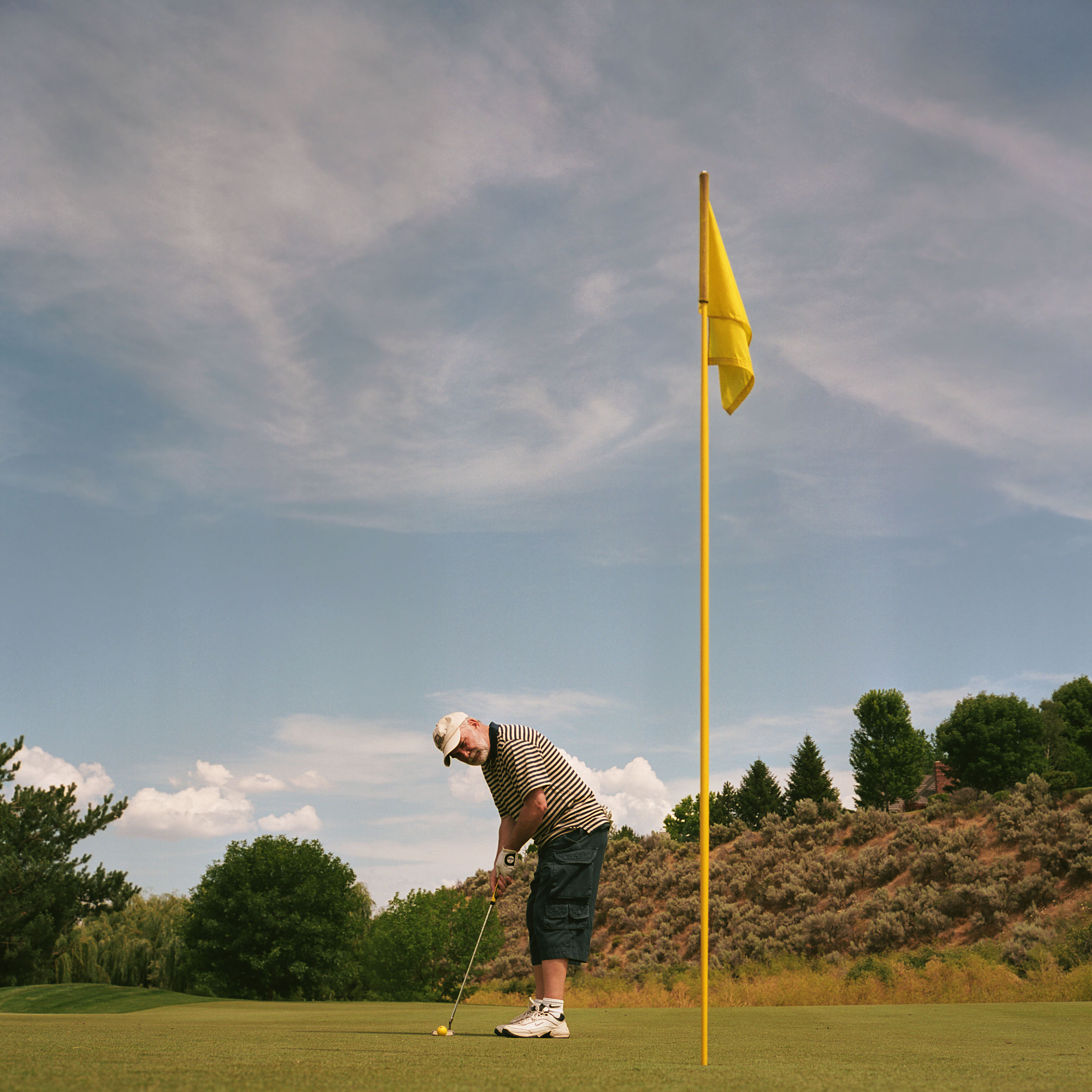 Although mostly blind Laurence usually 2 (or 3 but sometimes 4 or 5) putts