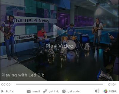 Channel 4 News theme tune video, Led Bib with Jon Snow and Krishnan Guru-Murthy