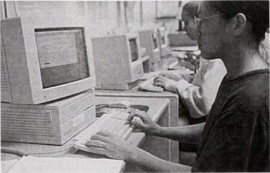 Students using computers, public domain, https://www.flickr.com/photos/internetarchivebookimages/19758917473/
