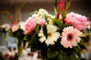 Pretty June Wedding Flowers at Warbrook House