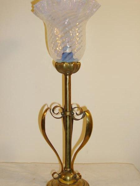 English brass arts and crafts table lamp, early circa 20th