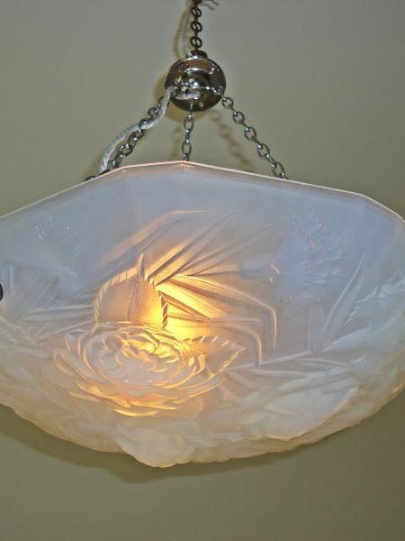 J.Robert opalescent-glass art deco plafonnier, circa 1930