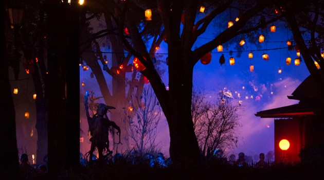 """Halloween Horror Nights at Universal Orlando to feature authentic """"Scare Zones"""" based on iconic horror films along with two mind-blowing live shows."""