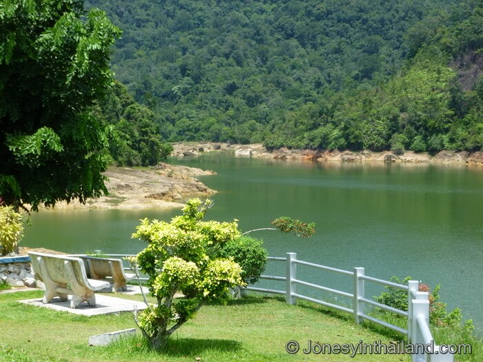 Air Itam dam view and bench