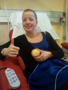 Zo blij dat mijn allerlaatste (16e) chemokuur erop zat! En dat ik alweer een beetje haar had!