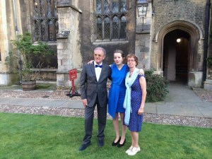 Cambridge met Hedie en John