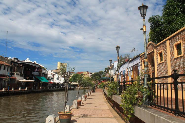 river-walk-malacca-malaysia