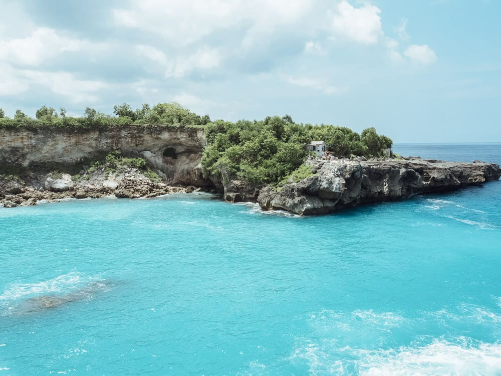nusa ceningan, blue lagoon nusa ceningan, nusa ceningan cliff jump, nusa ceningan, nusa ceningan bali, ceningan island, blue lagoon cliff jump nusa ceningan, ceningan bali, nusa ceningan things to do, things to do nusa ceningan, blue lagoon