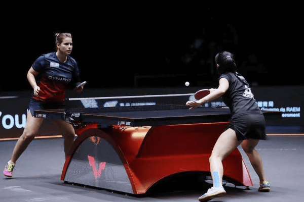 Lily Zhang closes out the match 3-0 against Petrissa Solja