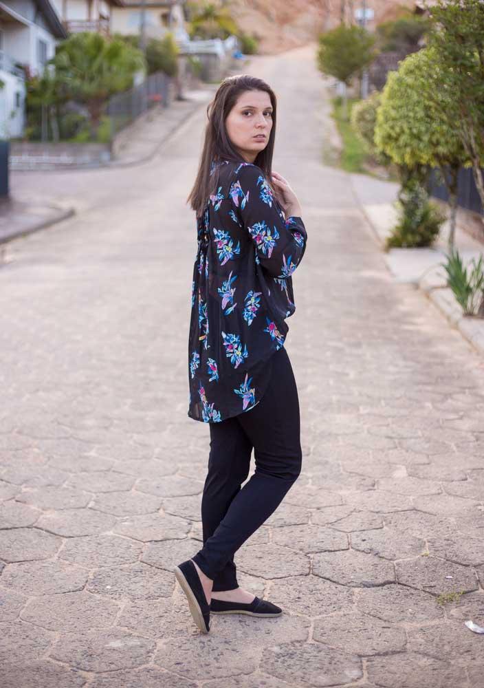MG 9634 - Look da Joo: Calça Preta e Blusa Dark Floral
