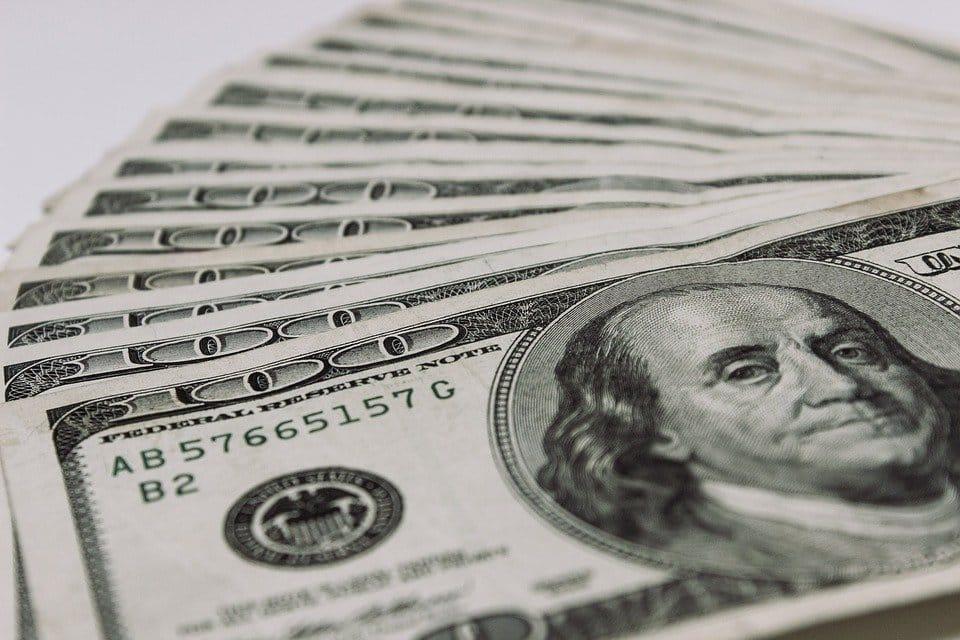 $ 100 Biżżejjed biex Tibda Tinnegozja Forex?