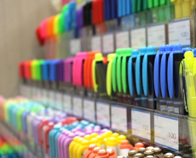 蛍光ペン選びのおすすめは?裏抜け・文字潰れとおさらばできる1品を選ぼう
