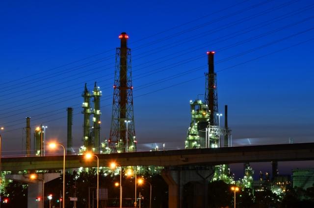 堺市の夜景はゲームのような工場地帯が見もの