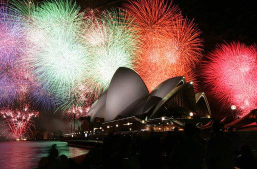 apec-australia-2007-sydney-opera-house-fireworks