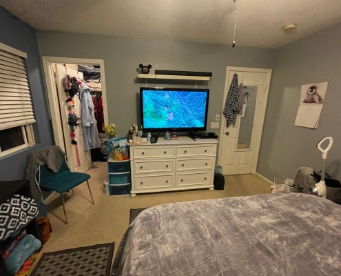 clean bedroom, bedroom, organized bedroom