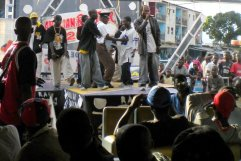 7.- A rap show in Yopougon, another neighborhood on the periphery.