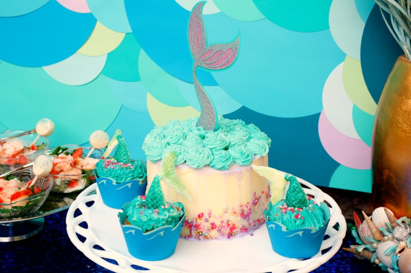 Spish splash it's a mermaid bash! Find inspiration and tutorials for your next Under the Sea Mermaid party at Jordan's Easy Entertaining