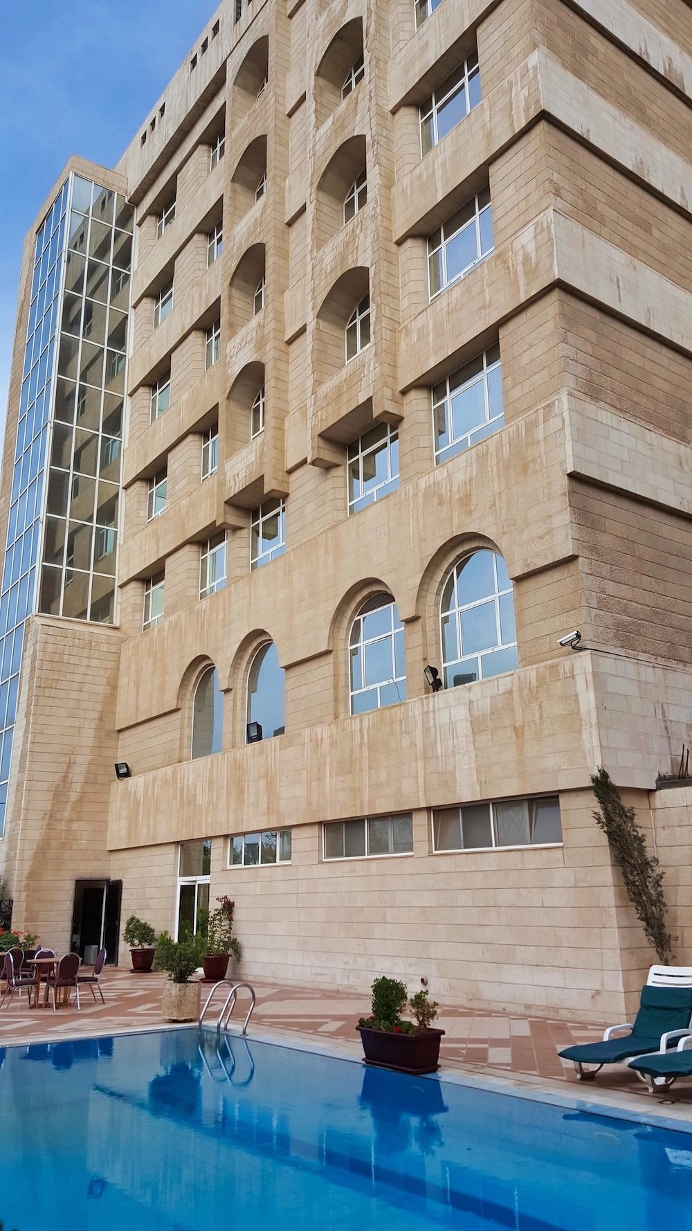 Jordan Hotels - Hotel Exterior & Pool
