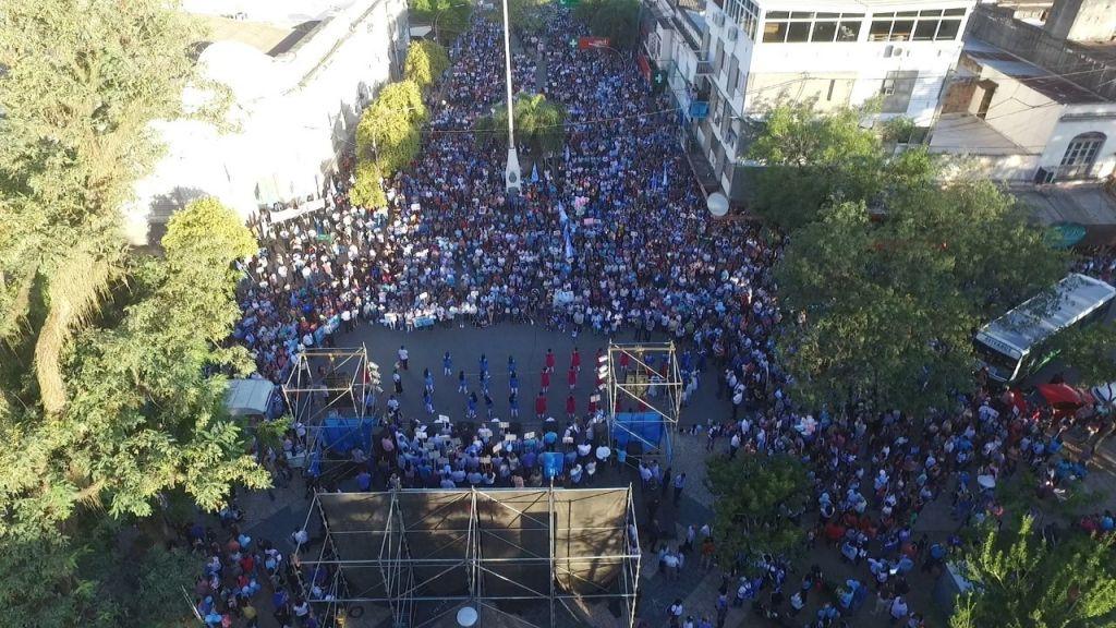 Miles de Personas Marcharon a Favor de la Vida en Plaza 25 deMayoen Resistencia