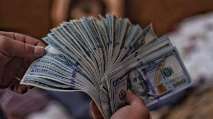 Dinero, Poder Y Realidad