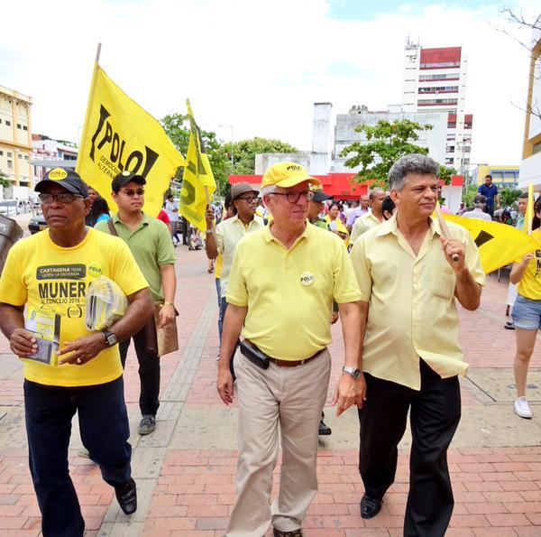 De izquierda a derecho. Luis Carlos Fuentes, cabeza de lista del Polo a la asamblea de Bolívar, el senador Jorge Robledo y el concejal y cabeza de lista del Polo al concejo de Cartagena, David Munera.
