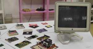 Projeto da USP vai ensinar computação a jovens de baixa renda