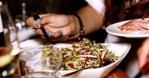 Alimentação em época de festas requer cuidados para evitar refluxo